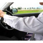 運転時の肩コリ・腰痛対策